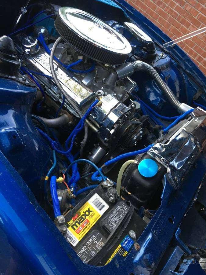 Безумный тюнинг салона Pontiac Firebird Trans Am (14 фото)