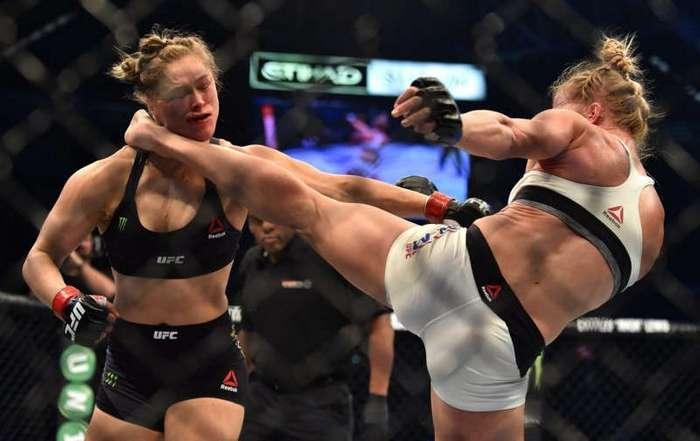Ринг вместо кухни: что происходит с женщинами, которые выходят на бои без правил? (15 фото)