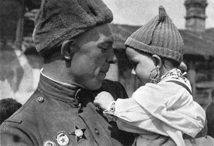 Самые известные фото Великой Отечественной войны (14 фото)
