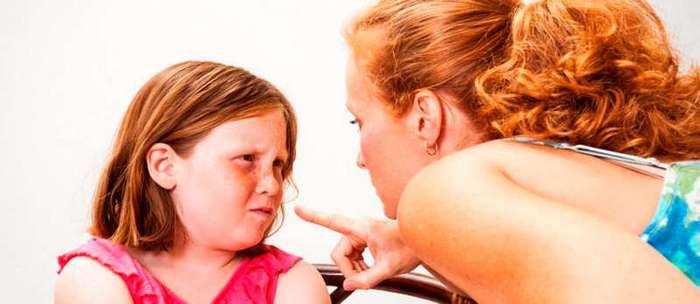 12 типичных ошибок в воспитании детей, о которых родители даже не подозревают
