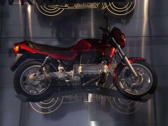 Музей BMW в Мюнхене (25 фото)