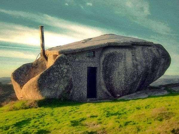 Дом в камне (8 фото)