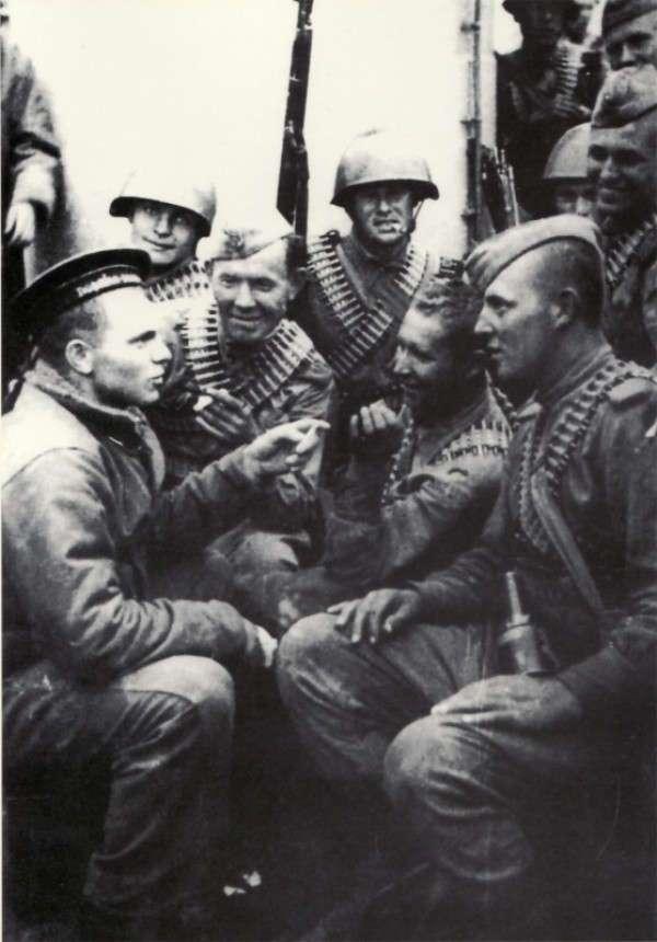 Легенда морской разведки (9 фото)