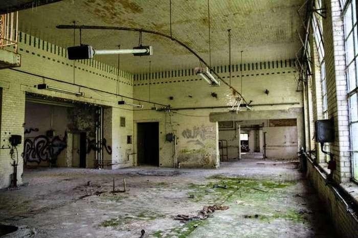 Байки из склепа: 13 жутковатых мест и их история (13 фото)