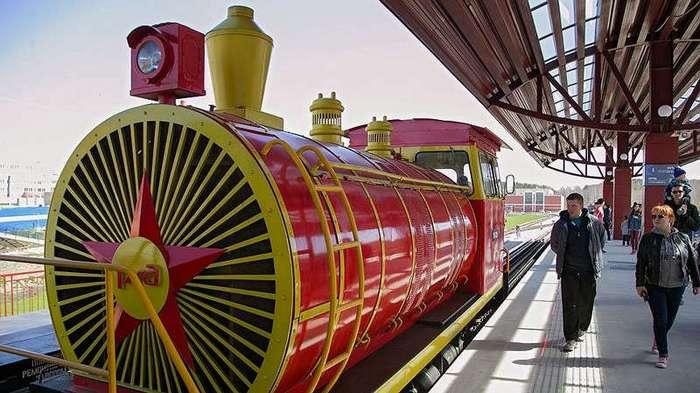 Романтика и реальность заповедных железных дорог (15 фото)