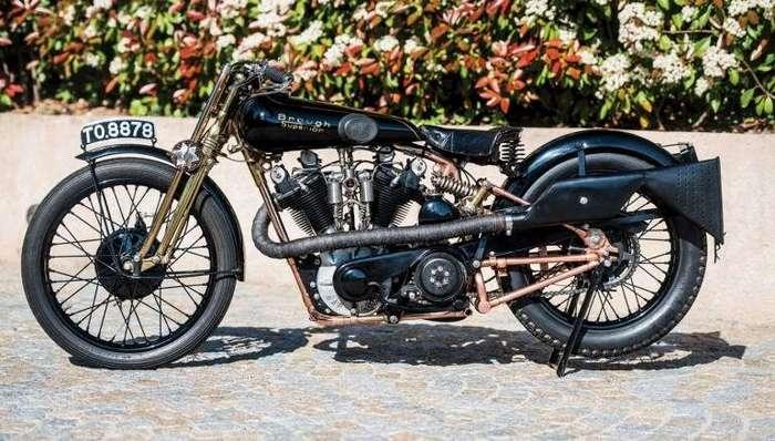 Знаменательные модели мотоциклов на аукционе Сотбис (5 фото)