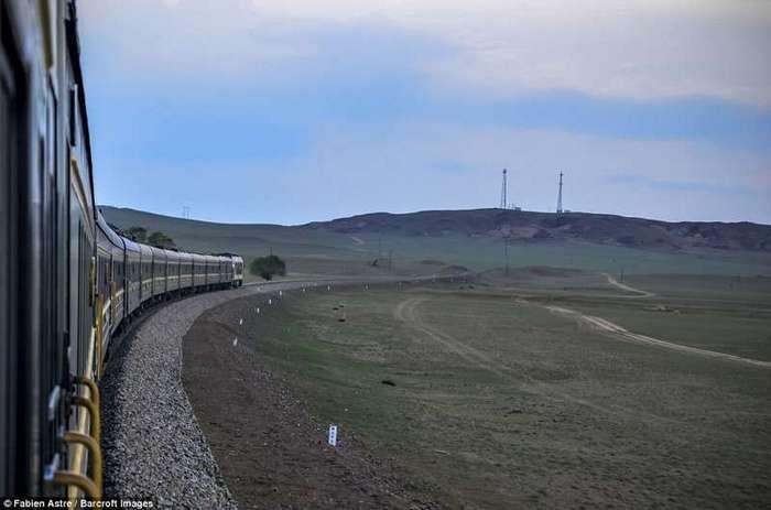 Трансмонгольская магистраль: путешествие мечты (15 фото)