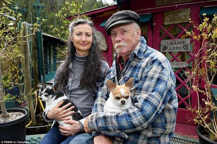 Пара из Канады, которая вот уже 25 лет на плаву (27 фото)