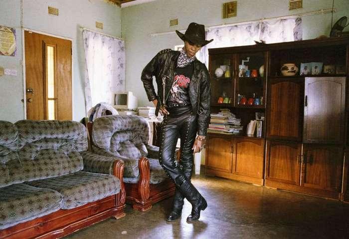 Как выглядят женщины-металлистки Ботсваны (15 фото)