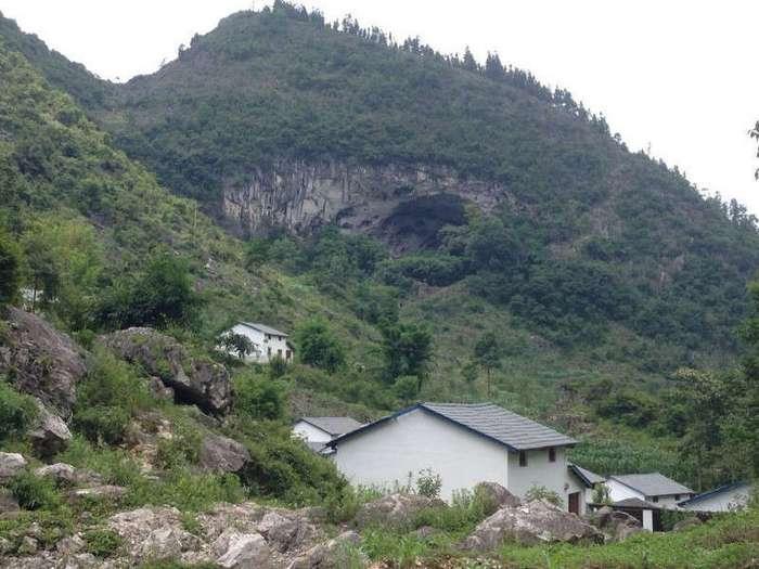 Пещерное поселение в современном Китае (23 фото)