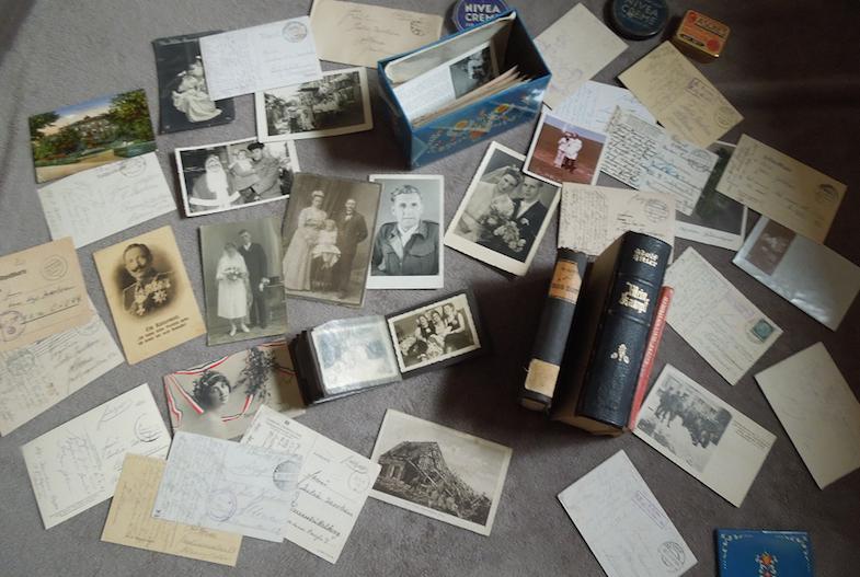 Находки в сейфе женщины, пережившей нацистский режим (18 фото)