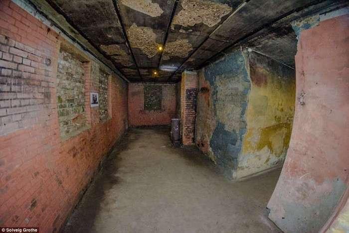 Подземный город нацистов, построенный пленными в Нидерландах (12 фото)