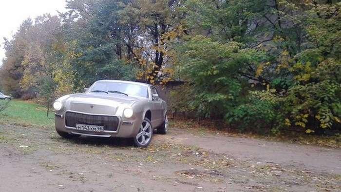 Доработанная -Волга- с двигателем от -Chrysler- бороздит Питер