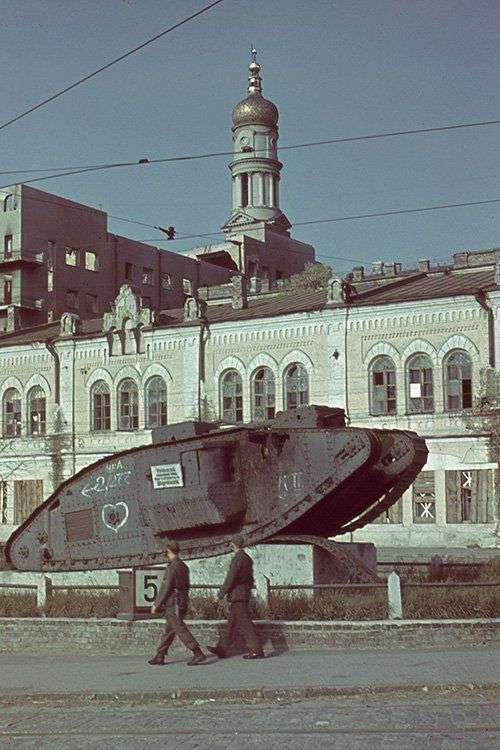 История одного танка (4 фото)