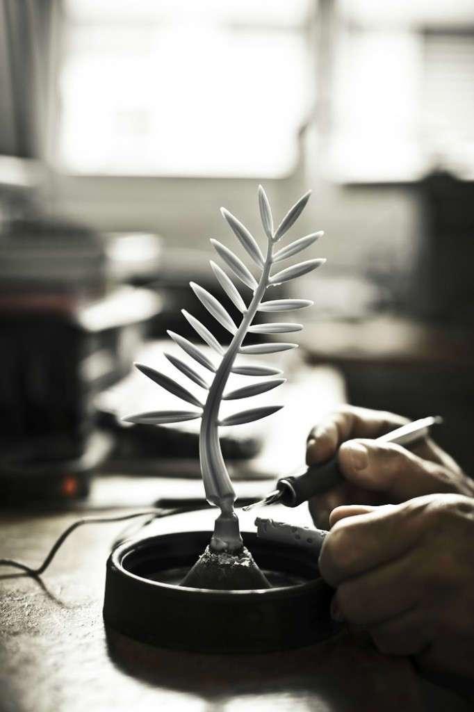 Как создают -Золотую пальмовую ветвь- Каннского кинофестиваля (22 фото)