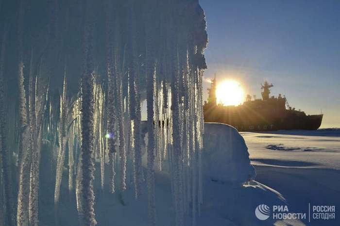 Люди, покорившие полюса: работа полярников (17 фото)