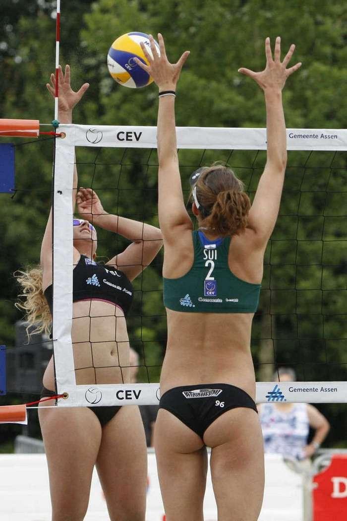 Пикантные моменты с женских соревнований (31 фото)