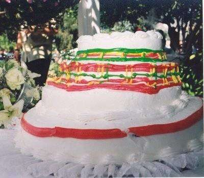 14 нелепых и забавных свадебных тортов