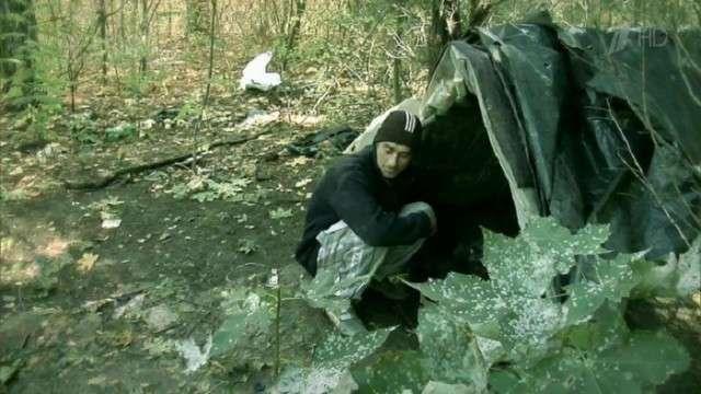 Молдавский Маугли добровольно жил в лесу 18 лет, а теперь на него устроил -охоту- целый батальон нев (4 фото)