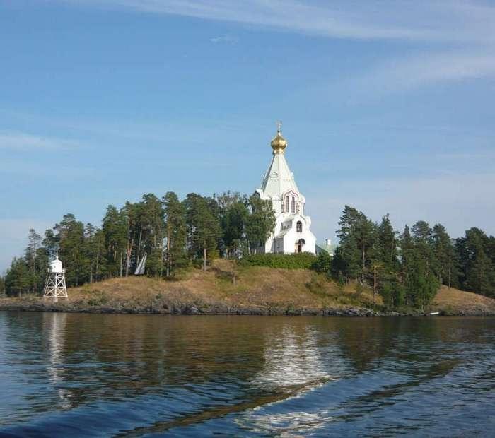 25 священных мест в России (26 фото)