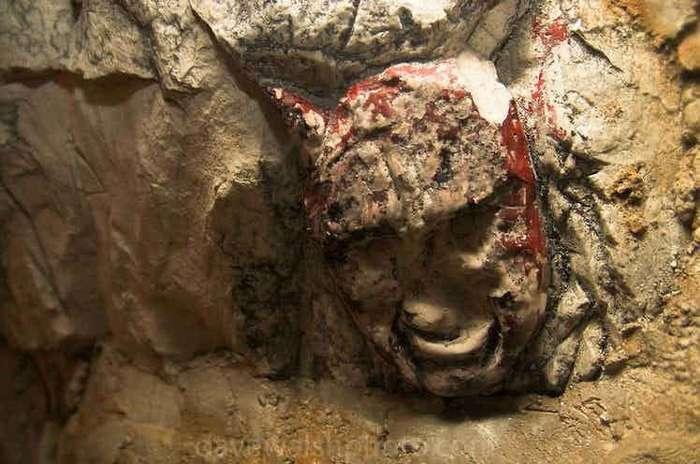 Самые жуткие находки, сделанные в пещерах (16 фото)