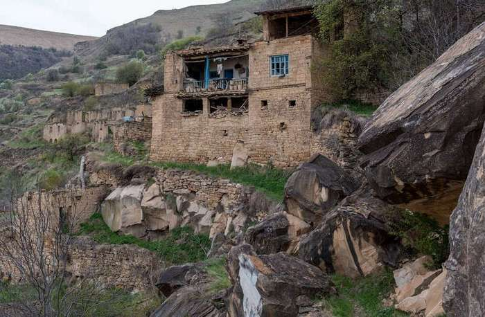 Гамсутль — заброшенный аул в Дагестане (31 фото)