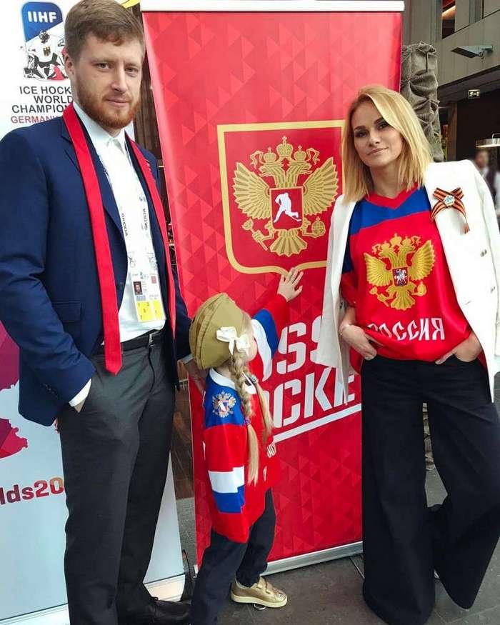 Сногсшибательные жены игроков сборной России по хоккею (22 фото)