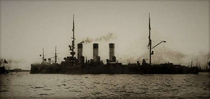 Выживший при Цусиме. История крейсера -Аврора- (16 фото)