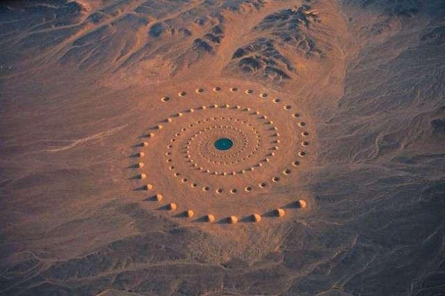 8 самых странных вещей, которые были обнаружены в пустыне (8 фото)