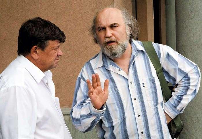 Русские обычаи, абсолютно непонятные иностранцам (14 фото)
