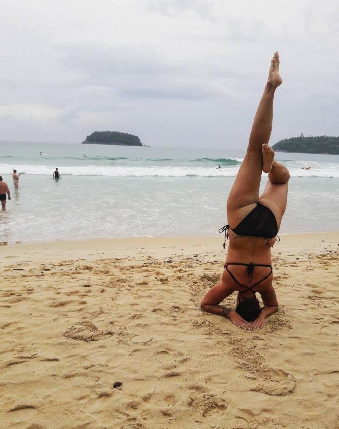 Пляжный флешмоб -Попа в песке- (11 фото)