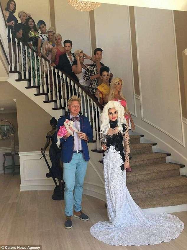 -Искусственных людей- со всего мира собрали на шоу живых кукол (19 фото)