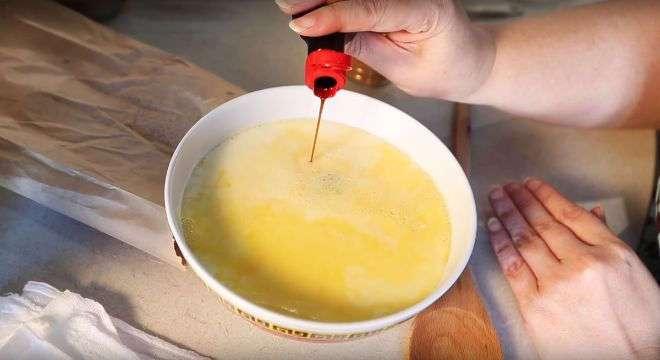 Обалденный завтрак, который можно приготовить из черствого хлеба