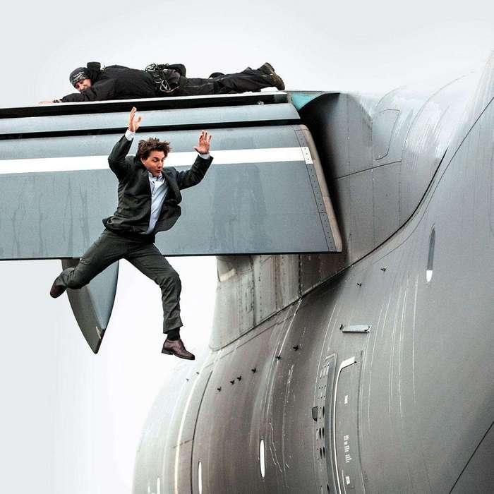 10 кинозвезд, отличившихся необычными запросами на съемочной площадке (11 фото)