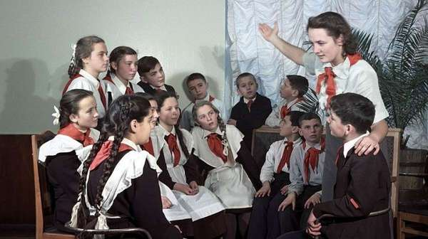 Яркие иллюстрации золотой советской жизни: журнал «Огонек» в 50-е годы