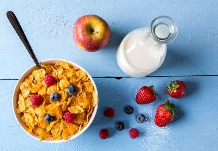 Чем нельзя кормить детей с утра