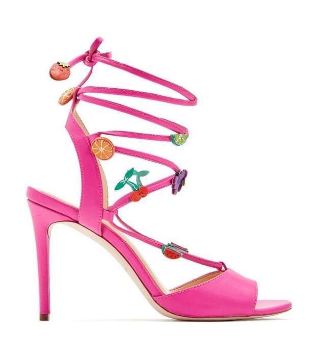 -От звезды-: как выглядит коллекция сумасшедшей обуви от певицы Кэти Перри