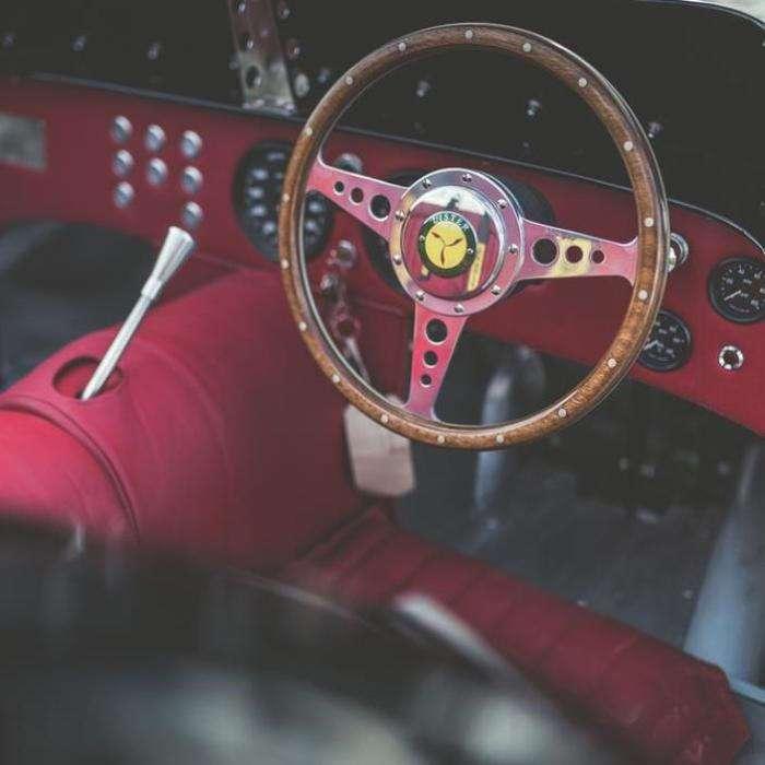 Первый среди равных: на дорогу возвращается легендарный гоночный автомобиль