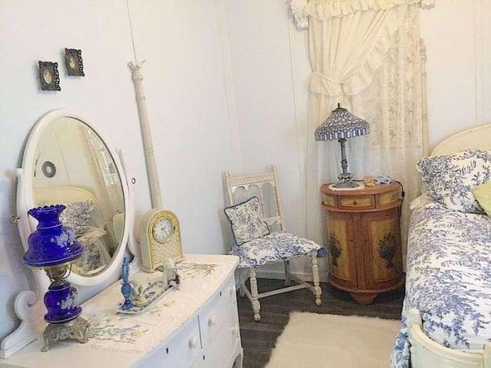 Из полуразрушенного сарая сделали прекрасный дом в винтажном стиле, которому завидуют все соседи