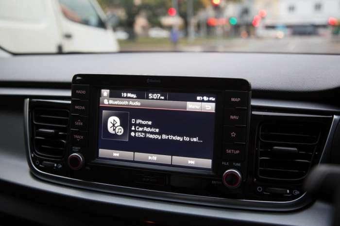 Kia Rio SLi: корейцы выводят на рынок роскошный хэтчбек, нашпигованный электроникой