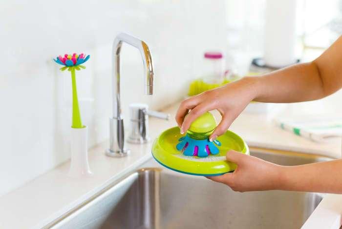 14 крутых девайсов, которые станут незаменимыми помощниками по хозяйству и превратят домашнюю рутину в веселую забаву