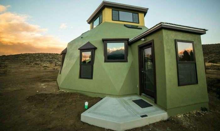 Нестандартный купольный дом, который можно построить за считанные дни