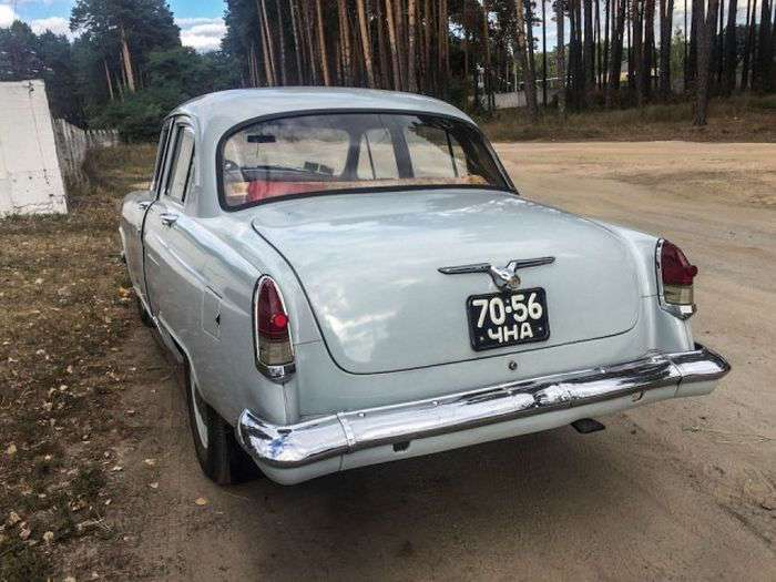 Прекрасно сохранившаяся ГАЗ-21 -Волга- 1962 года выпуска (20 фото)