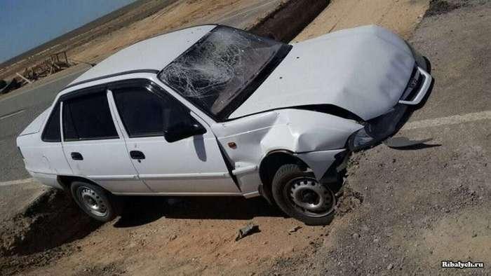 Водитель-лихач пытался повторить трюк из боевиков (5 фото)