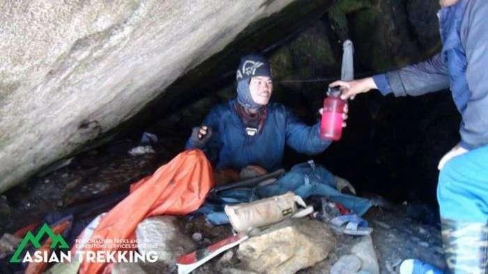 Туристов искали в Гималаях 47 дней (8 фото)