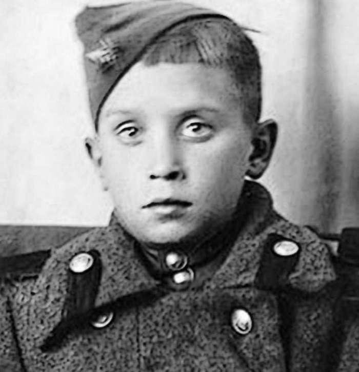 Юнный разведчик Колесников Сан Саныч (7 фото)