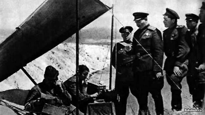 Леонид Брежнев: почти забытый солдат (9 фото)