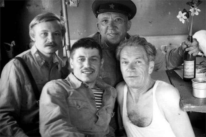 Фото со съёмок любимых советских фильмов о войне (15 фото)