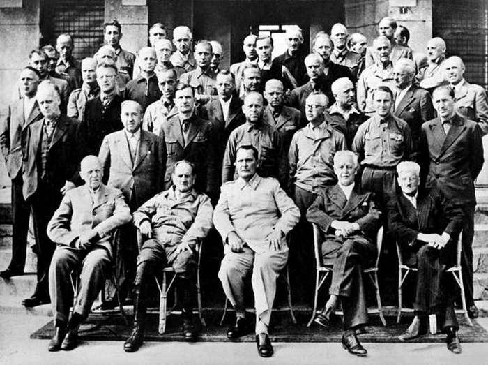 Добрый палач Джон Вудс на Нюрнбергском процессе (7 фото)