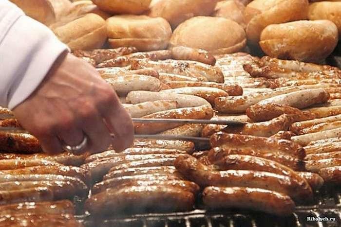 Необычная уличная еда в разных странах мира (33 фото)